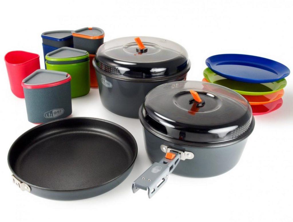 набор посуды для туризма