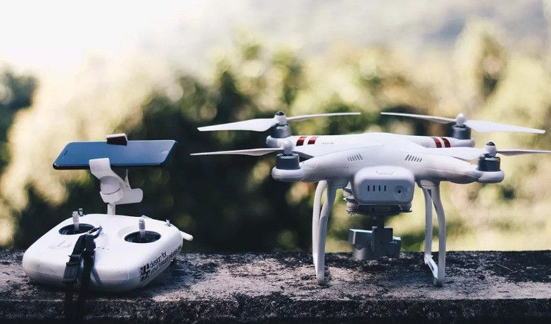 Какой смартфон выбрать для управления дроном